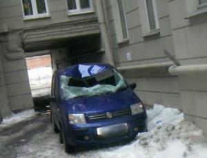 padenie-snega-na-avtomobil-1