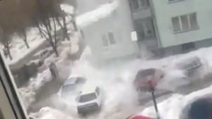 padenie-snega-na-avto